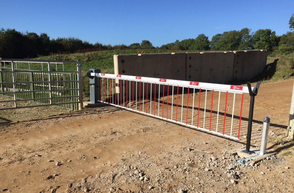 solar-powered-security-barrier-003