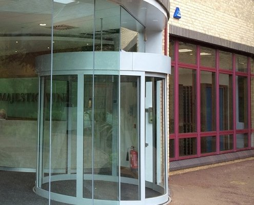 Majestic Wines head office with an EA Curved Sliding Door