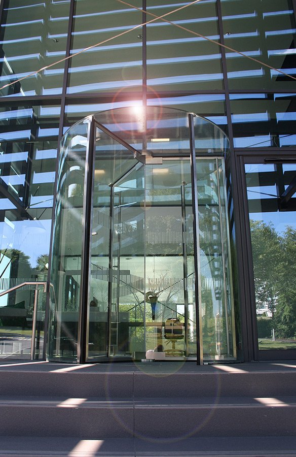 Ea Group Launch A British Made All Glass Revolving Door Ea Group Uk