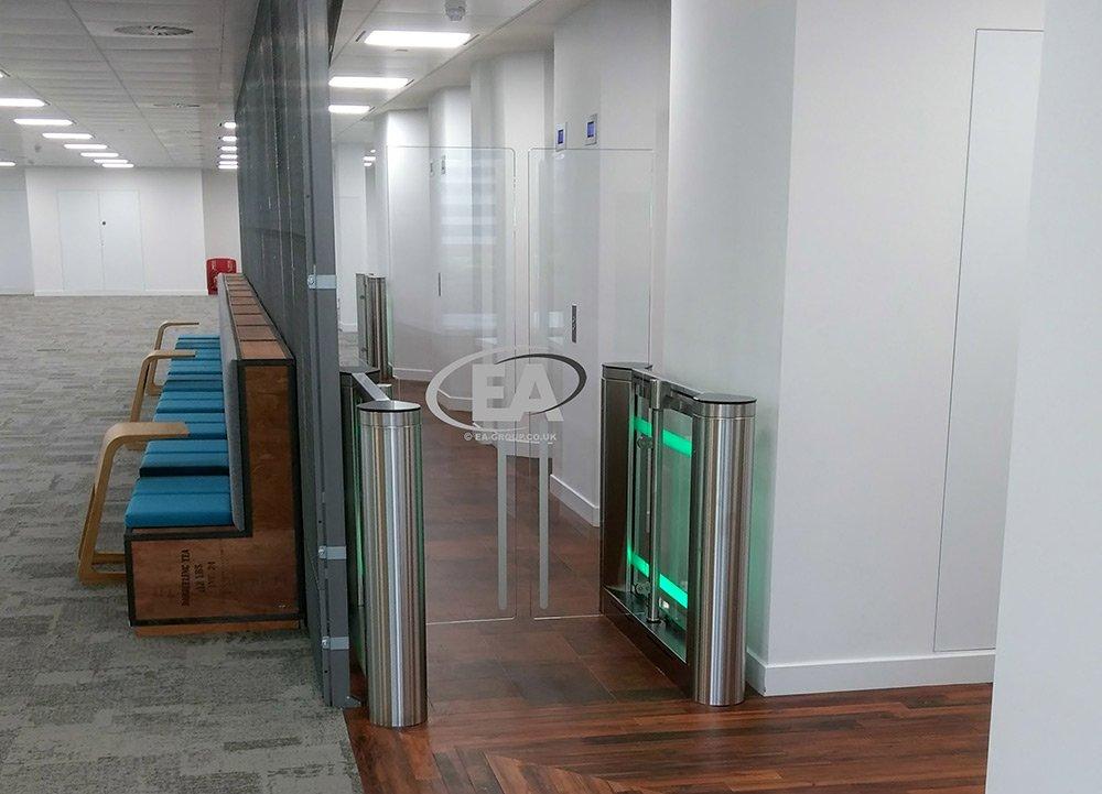 High glass security SpeedGate turnstile