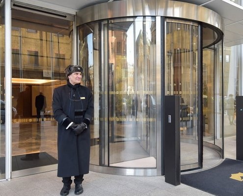 High capacity revolving door at the Shard London