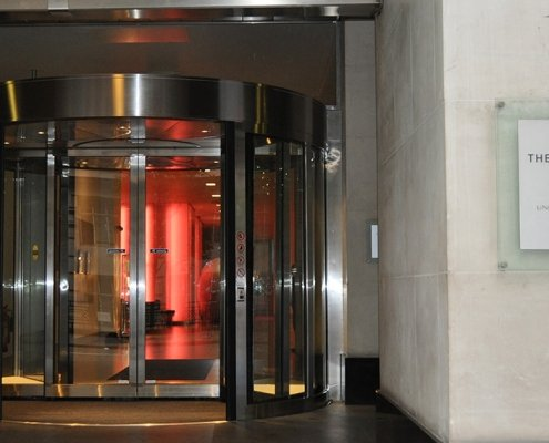 High capacity revolving door in a hotel