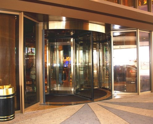 EA High Capacity Revolving Door, 3 Wing at a casino installation