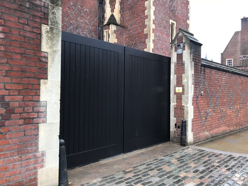 Automatic Gates to a Grade 2 listed building. Supplied an installed by EA