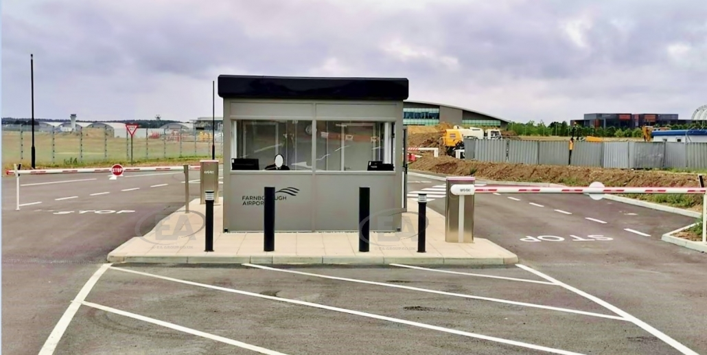 Farnborough_Airport gate